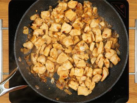 חזה עוף בחלב קוקוס וקארי