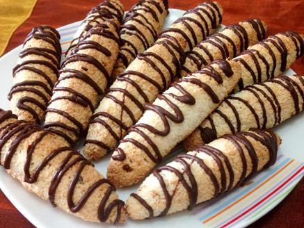 עוגיות קוקוס לפסח עם שקדים גרוסים
