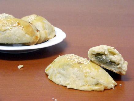 בורקיטס חצילים וגבינה בולגרית