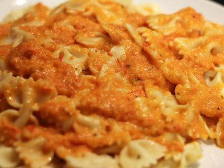 פסטה ברוטב עגבניות חלבי