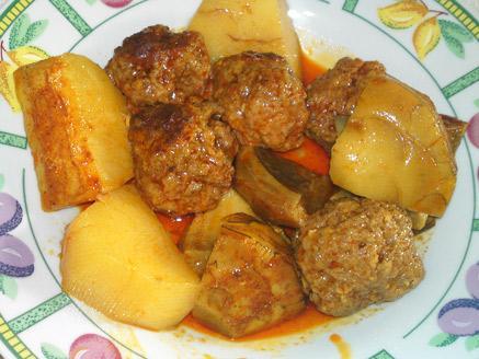 כדורי בשר ברוטב עם ארטישוק ותפוחי אדמה