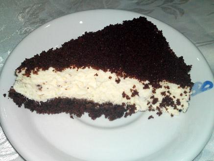 עוגת גבינה עם ביסקוויטים וריבת חלב