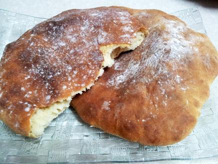 לחם על אדים