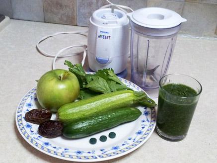 קוקטייל ירקות ירוקים