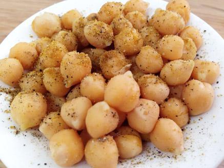 גרגירי חומוס מבושלים
