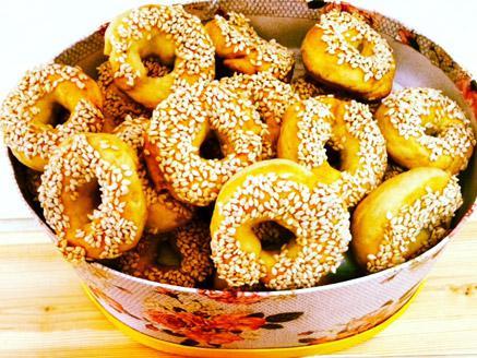 עוגיות מלוחות עם שומשום