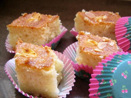 עוגת סולת ושקדים