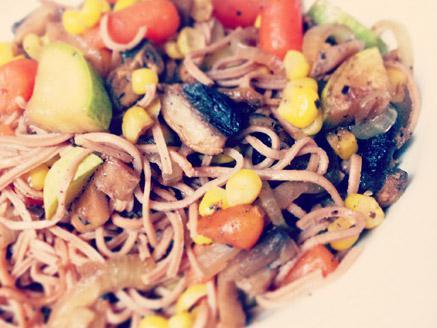 אטריות אזוקי אורגניות עם ירקות