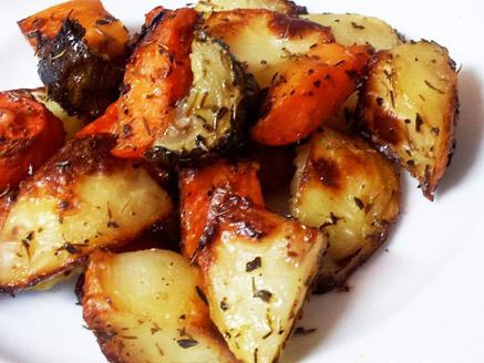 ירקות מתובלים בתנור