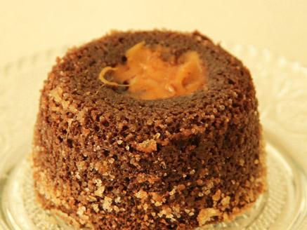 עוגות שוקולד אישיות במילוי טופי קרמל