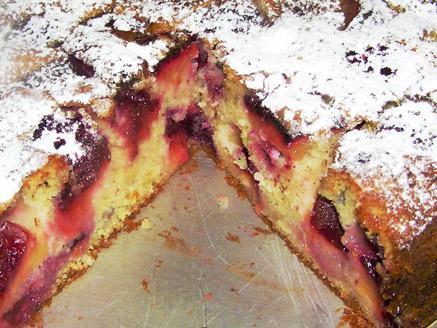 עוגת שזיפים ביתית קלה להכנה