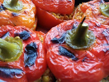 פלפלים במילוי בורגול וירקות