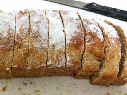 לחם חצי מלא