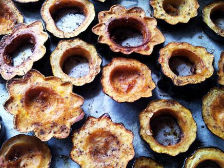 פרוסות דלעת ערמונים אפויות בתנור