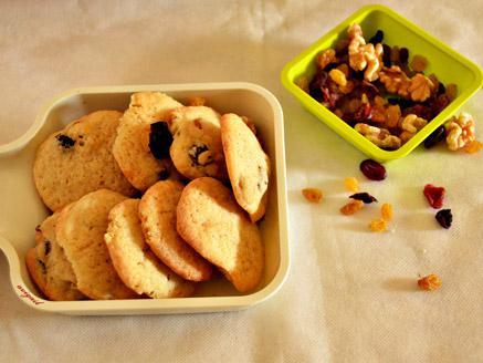 עוגיות צימוקים, חמוציות ואגוזים