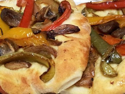 פוקצ`ה עם ירקות
