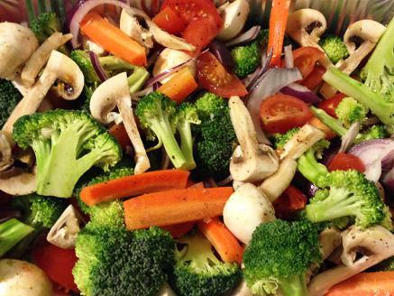 מבחר ירקות בתנור לארוחת הערב