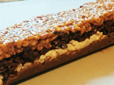 חטיף שכבות שוקולד עם פצפוצי אורז