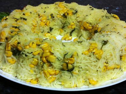 עוגת אורז עם תירס ושמיר