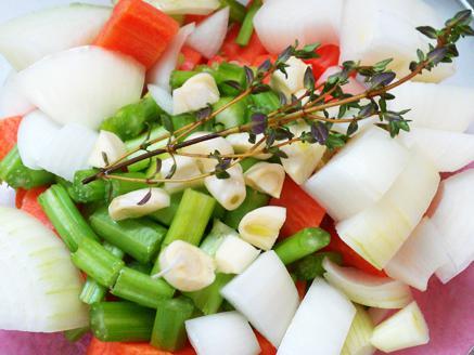 תבשיל לחי בקר עם ירקות שורש