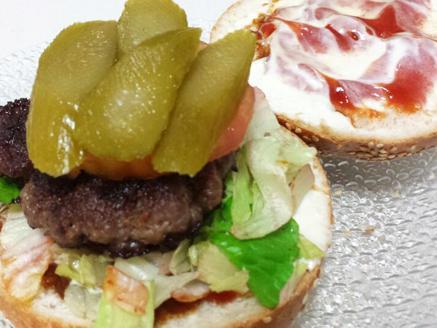 המבורגר ביתי מבשר טחון