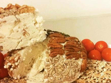 כדור גבינה עם הפתעות