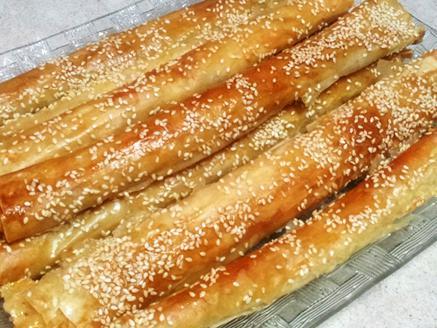 מקלוני פילו במילוי גבינות