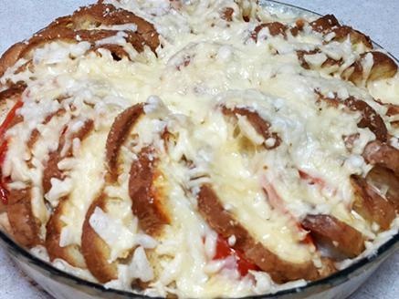 פשטידה מחלה פרוסה עם גבינות