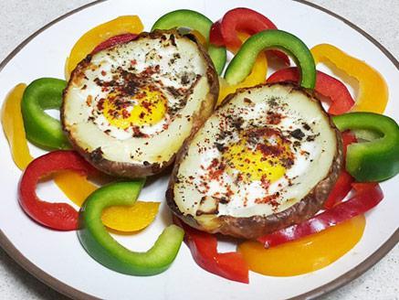 סירות תפוחי אדמה במילוי ביצה