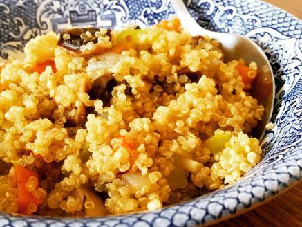 תבשיל קינואה עם ירקות