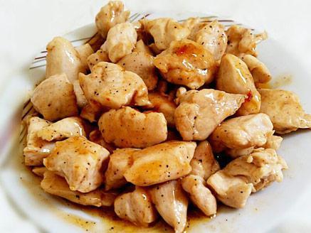 קוביות חזה עוף בצ`ילי מתוק