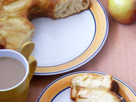 עוגת דבש ותפוחים מקורמלים