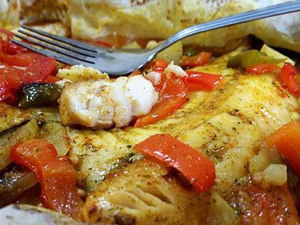 פילה אמנון עסיסי בתנור עם ירקות