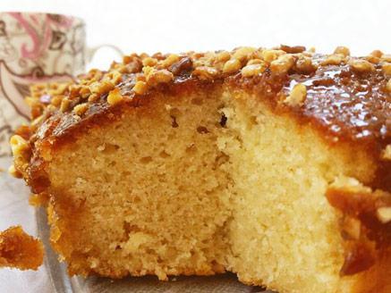 עוגת מייפל ואגוזים בחושה