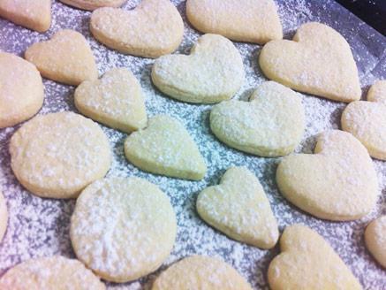 עוגיות חמאה נימוחות