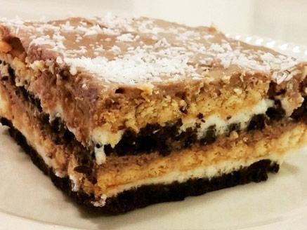עוגת ביסקוויטים גבינה דיאטטית