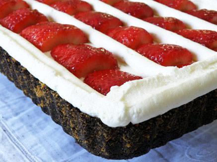 פאי תותים וקרם גבינה ללא אפייה