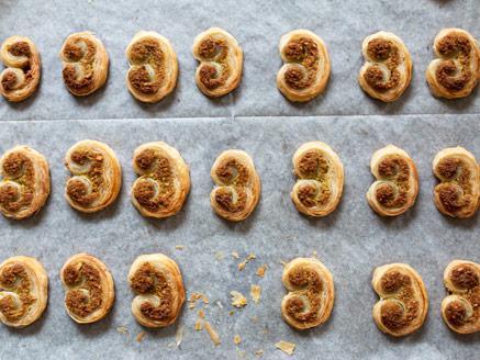 עוגיות אוזני פיל עם פיסטוק