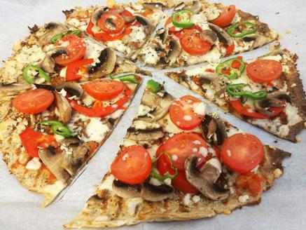 פיצה אישית מבסיס לחם טחינה
