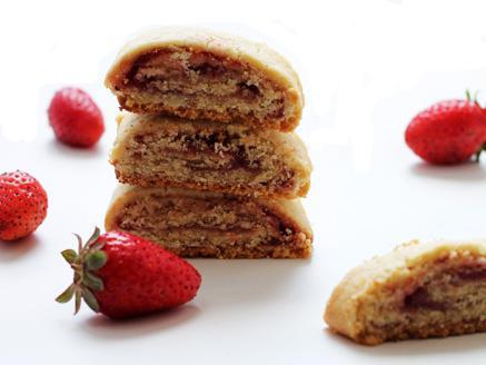 רולדות בצק פריך במילוי ריבת תותים
