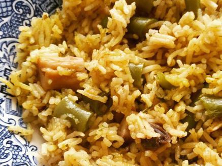 אורז בסמטי עם שעועית ירוקה ופטריות
