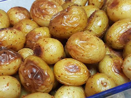מיני תפוחי אדמה אפויים