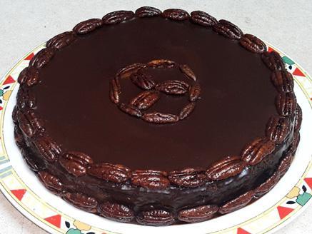 עוגת שוקולד עם פקאנים