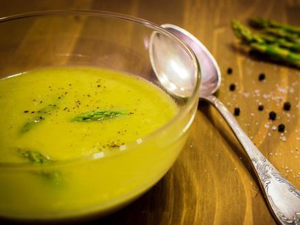 מרק אספרגוס קל וטעים