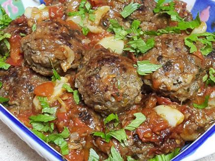 קציצות בשר במחבת ברוטב עגבניות עדין