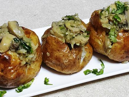 תפוחי אדמה אפויים במילוי פטריות