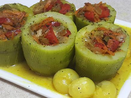 קישואים במילוי ירקות