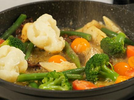 פילה דניס עם ירקות מוקפצים