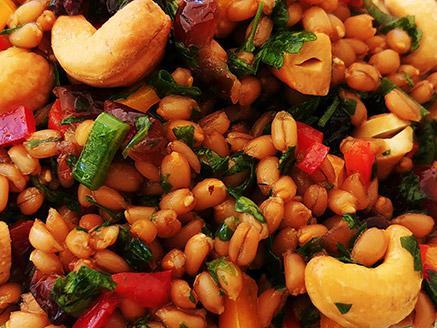 סלט כוסמין עם ירקות