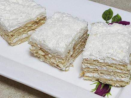 עוגת גבינה לימונית עם קוקוס ובישקוטים